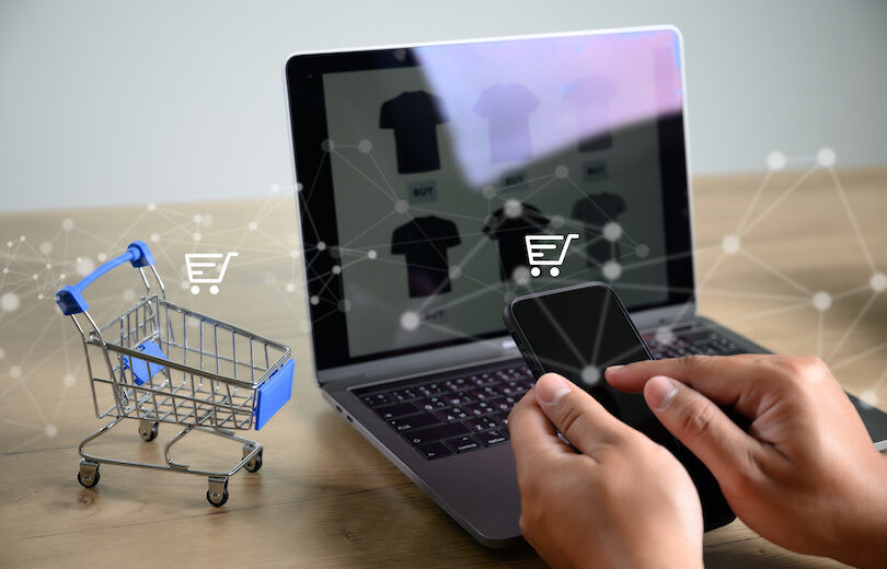 Business people use Technology E-commerce Internet Global Marketing Purchasing Plan and Bank Ecommerce Concept